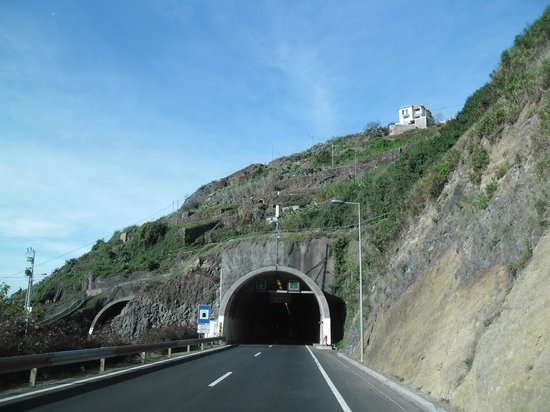 Daniel Madeira Taxis : One of the many tunnels