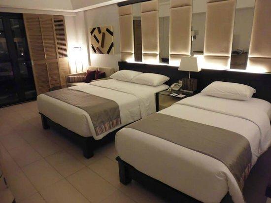 Henann Garden Resort: Big bed