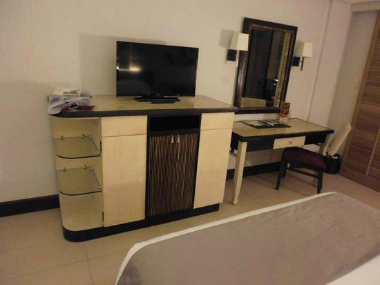 Henann Garden Resort: LCD TV