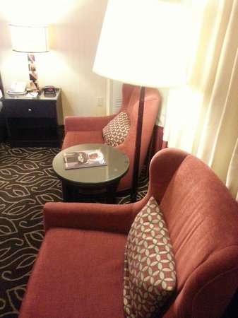 Boulder Station Hotel and Casino: comfy chairs I can fall sleep in