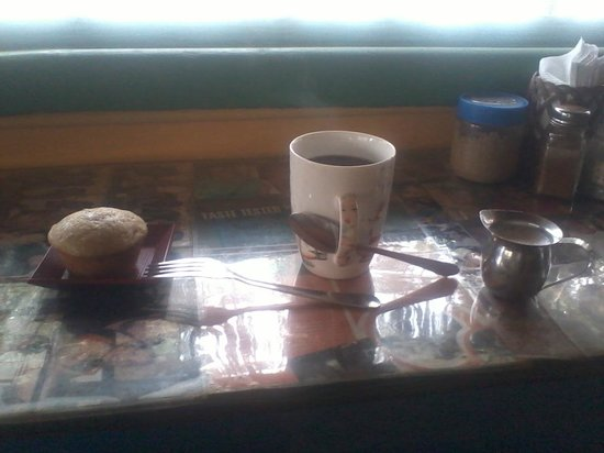 Real Coffee & Tea Cafe : My beautiful banana walnut muffin and cafe latte! :)