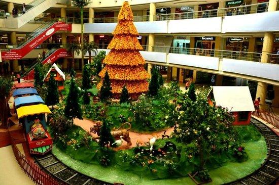 E Hotel: Christmas Celebration at E Mall
