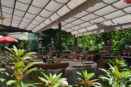 Terraza de La Casa del Puente, Restaurante y Cafeteria