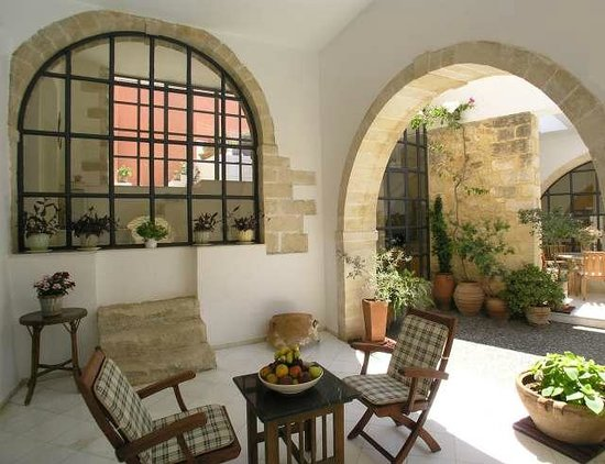 Villa Maroulas Annonce du Propriétaire : Patio in front of the bedroom 1/5