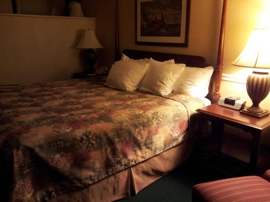 Best Western Merry Manor Inn: King Size Bed