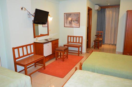 Hotel Avra : Room
