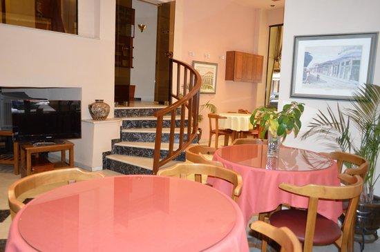 Hotel Avra : Breakfast Hall