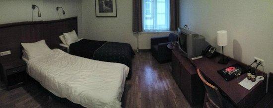 CenterHotel Plaza: Standard double / twin room - warm & clean