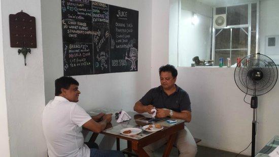 Chai Kada: FRIENDS ENJOYING THE SNACKS