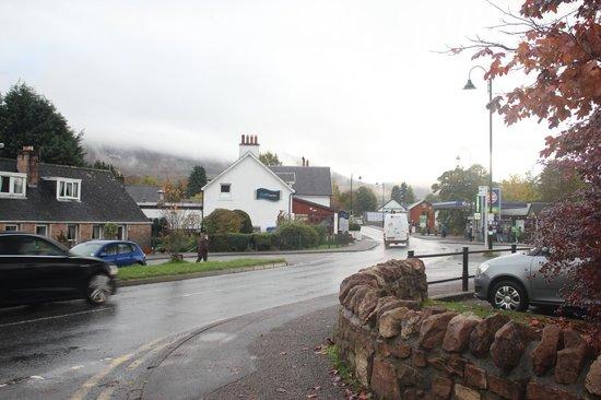 Gray Line Scotland : Lochness Village