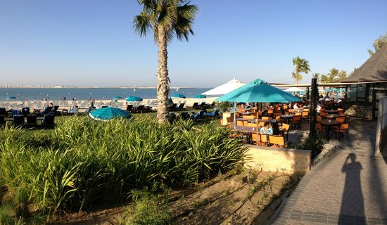 JA Jebel Ali Beach Hotel: PoolBar & Restaurant