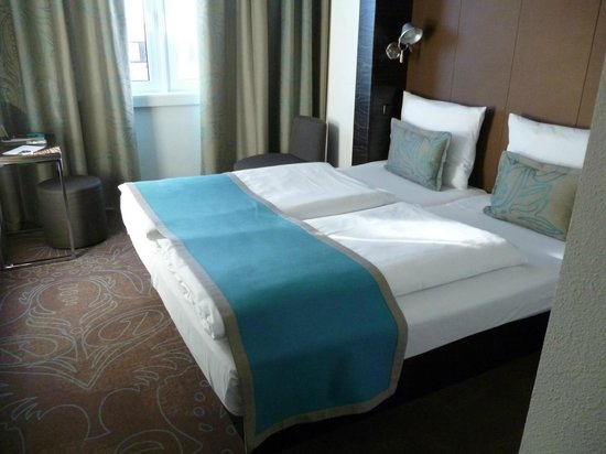 Motel One Muenchen City Sued: letto