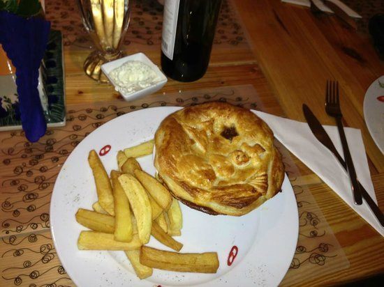 The Blue Beetroot Hotel : Beef-Pie, Delishious from  their dinner menu!
