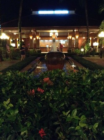 Horizon Patong Beach Resort & Spa: Entrance area