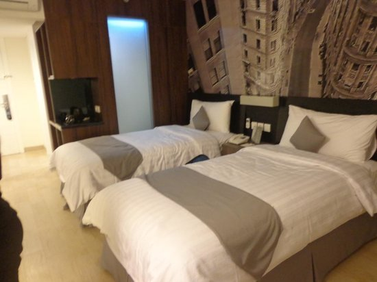 Hotel Neo Mangga Dua Square : Our standard twin room
