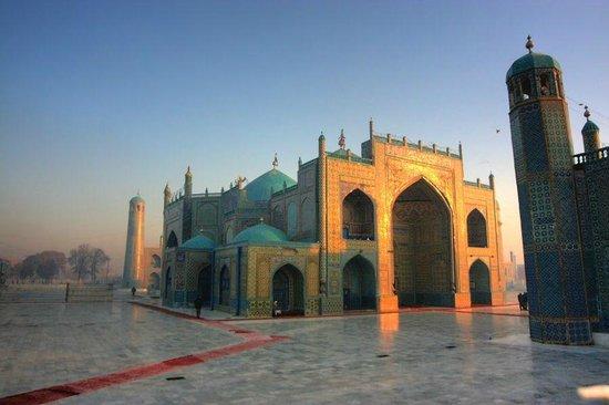 Mazar-i-Sharif, Afghanistan : Редкие минуты без присутствия людей