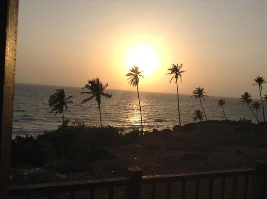 Ozran Heights Beach Resort: sunset from balcony