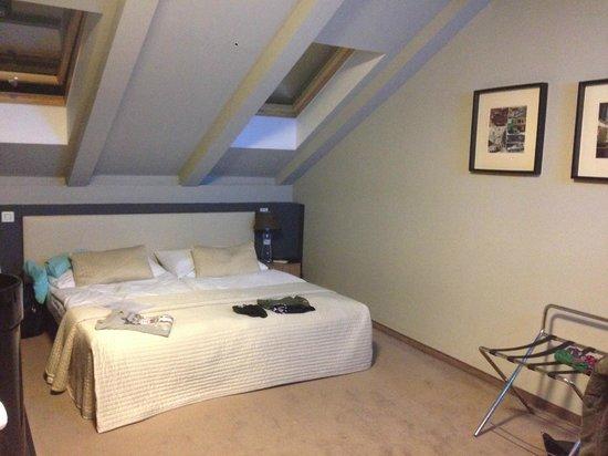 Hotel Noir: Room in the 5th floor 501