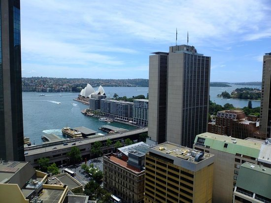 Sydney Harbour Marriott Hotel at Circular Quay : Opera view from 25th floor