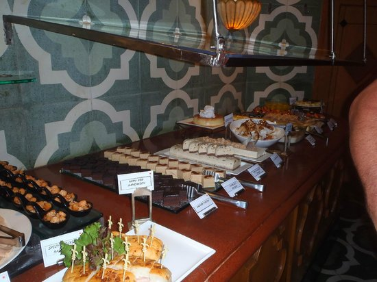 The Orchid Mumbai Vile Parle: Buffet