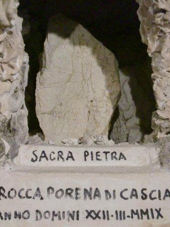 Il Presepe dei Netturbini : pietra di Santa Rita