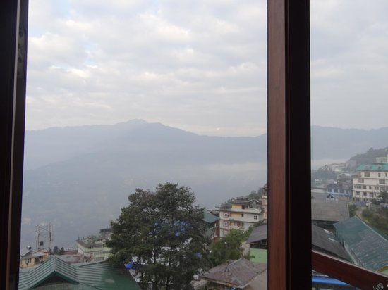 Gangtok - Delisso Abode, A Sterling Holidays Resort: view from executive suite