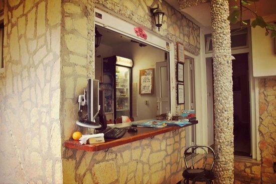 Apartments Nikolla: Nikolla Hostel Split