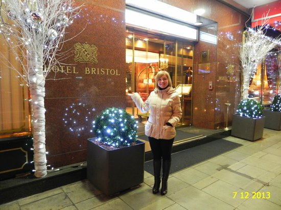 IN FRONT OF ENTRANCE OF HOTEL BRISTOL, DECEMBER 2013.