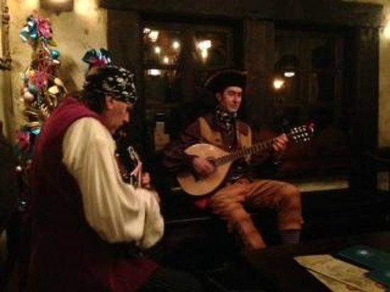 Blue Lagoon Restaurant - Disneyland Paris : Musicisti