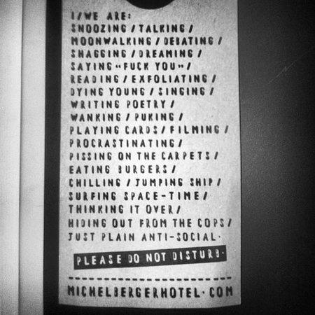 Michelberger Hotel: non disturbare perchè..