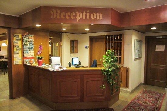 Hotel Le Postillon : De receptie