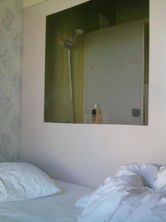 Michelberger Hotel: la porno-doccia