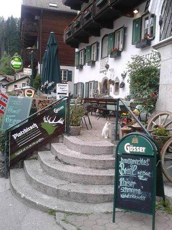 Platzhirsch Zur Alten Wagnerei : Gastgartenaufgang