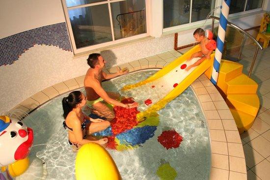Familien Wellness Residence & Hotel TYROL: Babybecken im Piratenbad