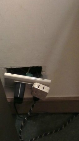 United Hotel: Power sockets in challenge mode