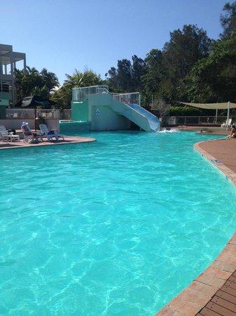 Opal Cove Resort : slide