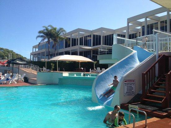 Opal Cove Resort : rear of hotel