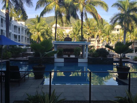 Peppers Beach Club & Spa : View of the pool from reception