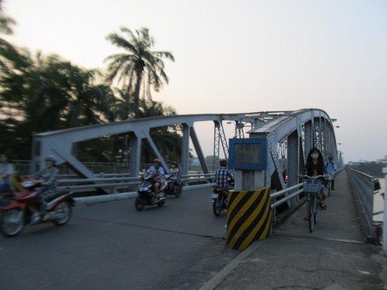 Truong Tien Bridge 1