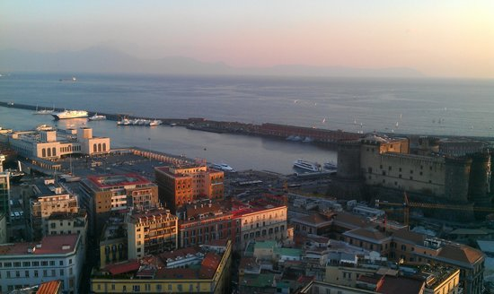 NH Napoli Ambassador : Vista dalla nostra stanza