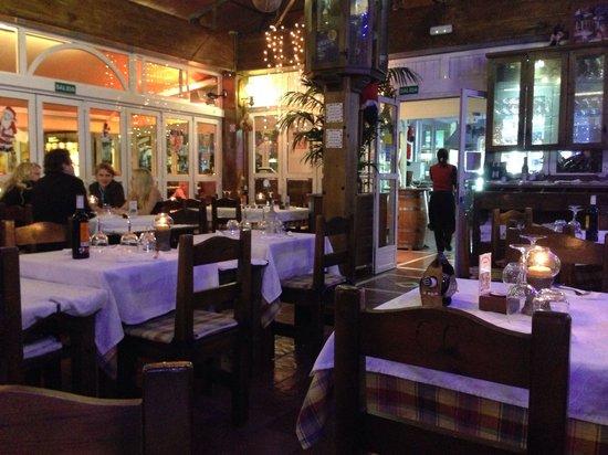 Restaurante Grill El Cenador: Interior