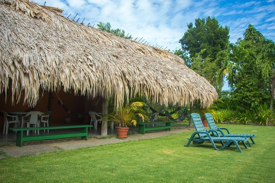 Kariwak Village Holistic Haven and Hotel: Back recreation area.