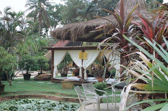 Ban Nam Mao Resort : Masaż
