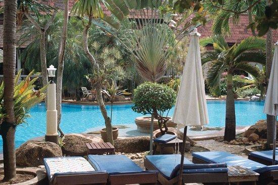 Ban Nam Mao Resort: Basen