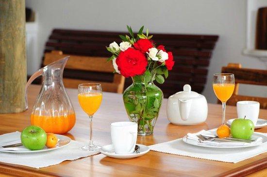 BeauSoleil: Braai area / Breakfast