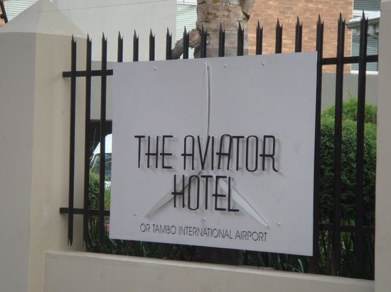 The Aviator Hotel OR Tambo: Entrada