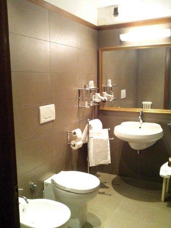 Hotel Ghironi: Il bagno