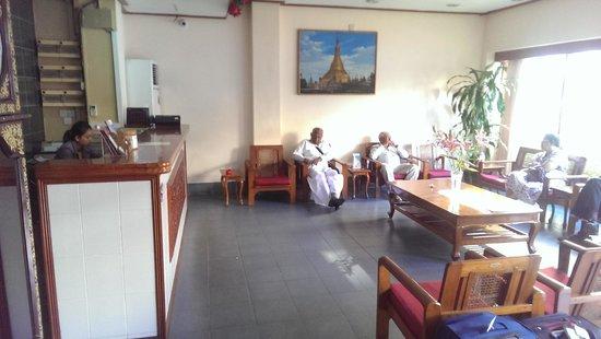 Eastern Hotel: Lobby