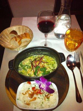 Iyara: Curry vert au poulet