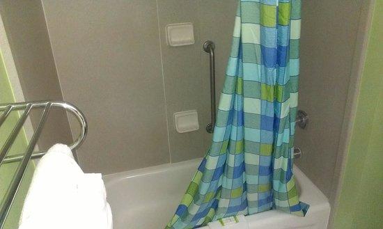 BEST WESTERN Ft. Walton Beachfront: bathroom